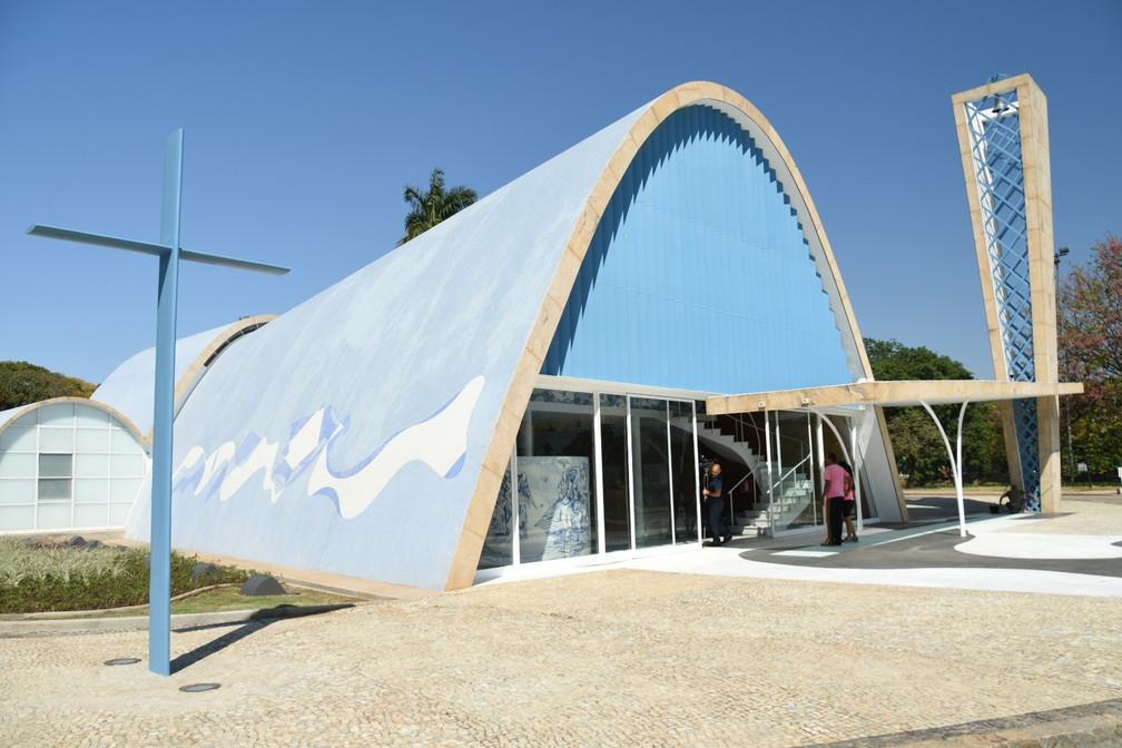 Desenhada por Niemeyer 'Igrejinha da Pampulha' é elevada a santuário