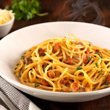 25 de outubro é o Dia Mundial do Macarrão: que tal um Spaghetti Carbonara?